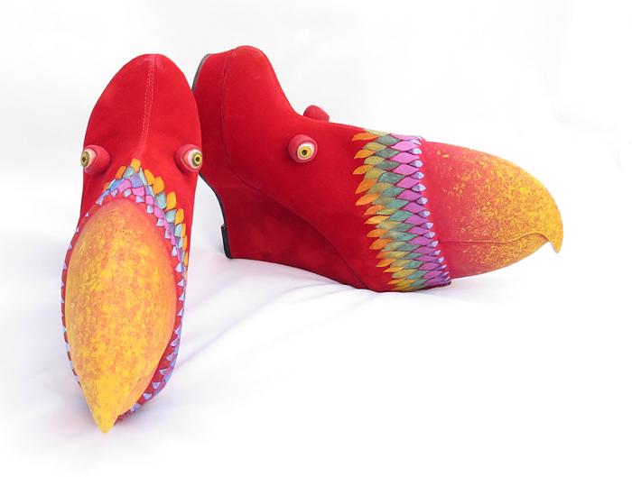 Ботильоны попугаи. Автор: Gwen Murphy.
